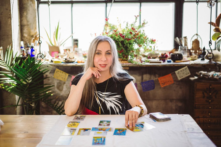 theresa-reed-the-tarot-lady.png